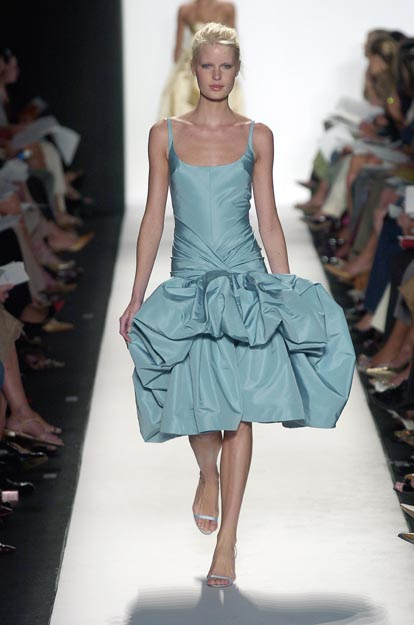 Oscar de la Renta runway blue pouf dress :  blue runway oscar renta